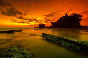 Mystic-Bali-Sunset-over-Tanah-Lot