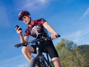 mountain-bike-fitness-phone